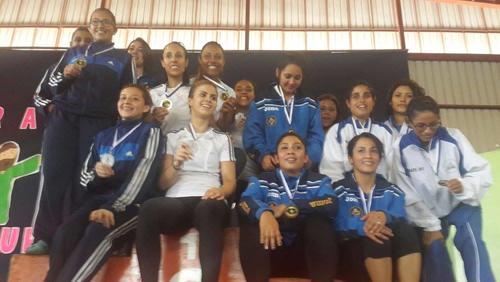 El equipo femenino de Karate de Guatemala en el CA de Nicaragua. (Foto: Fedekarate)