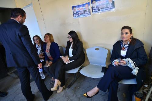 Roxana Baldetti, en la sala de espera del Juzgado de Villa Nueva, en la audiencia de este miércoles. (Foto: Archivo/Soy502)