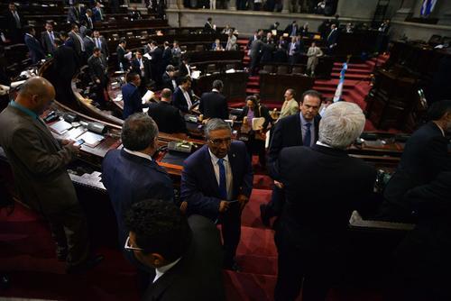 UNE y FCN están empatados con 31 diputados, por lo que alguno de los dos bloques encabezará la elección de magistrados de la CC. (Foto: Archivo/Soy502)