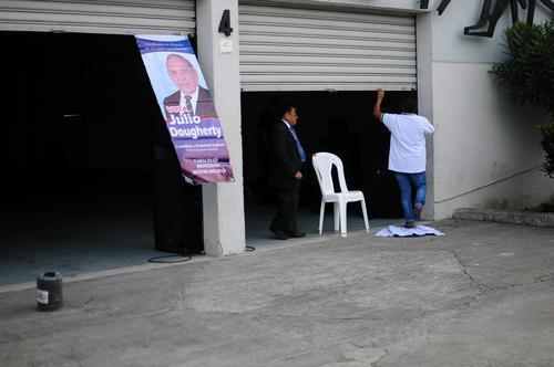 El CANG instaló 40 mesas para que sus más de 19 mil afiliados elijan a un magistrado titular y uno suplente ante la CC. (Foto: Alejandro Balán/Soy502)