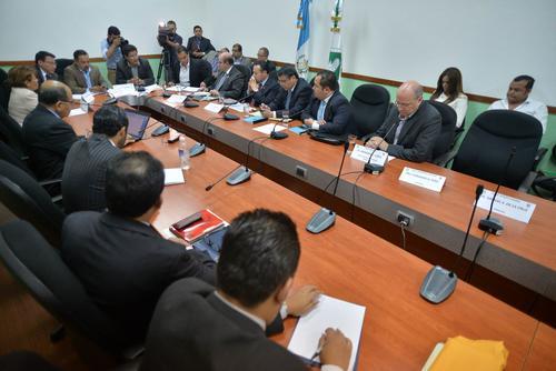 La Comisión de Finanzas citó a delegados de Banrural, pero solo uno de los directivos se presentó para rendir información de los créditos a Baldetti. (Foto: Wilder López/Soy502)