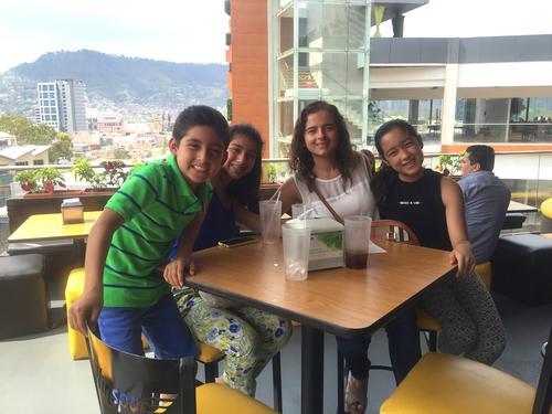 En la actualidad Juan Fernando reside junto con sus padres y dos hermanas en Tegucigalpa. (Foto: Facebook, Andrea Lemus)