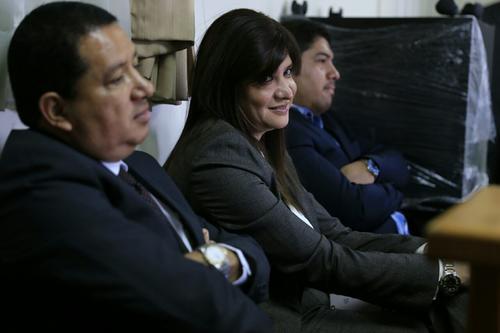 Liseth Pérez Leal, hija del expresidente Pérez Molina, acudió este día a la Sala de Mayor Riesgo, para una audiencia para intentar recuperar sus bienes. (Foto: Wilder López/Soy502)