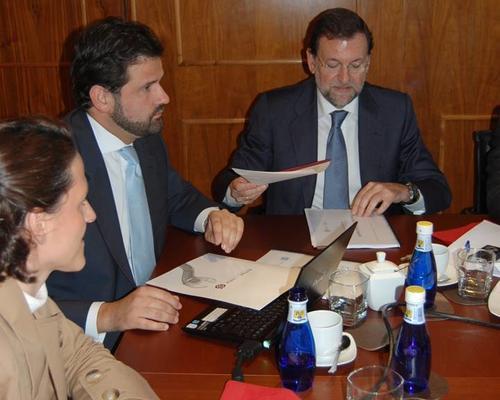 Antonio Solá junto al presidente actual de España, Mariano Rajoy. (Foto: Ostos Sola)