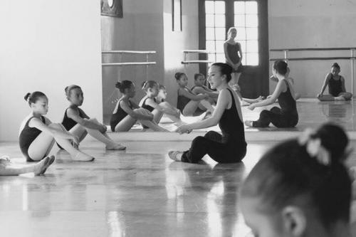 La danza clásica es recomendada desde temprana edad. (Foto: Camilo Sarti Fotografía/Escuela Municipal de Danza Clásica)