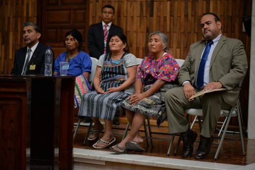 Representantes de las comunidades en resistencia La Puya durante la vista pública en la CSJ. (Foto: Wilder López/Soy502)