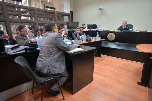 Mynor Leonel Morales, ex auditor de la SAT, dijo ante el juez que no pidió ni recibió sobornos de Chico Dólar. (Foto: Wilder López/Soy502)