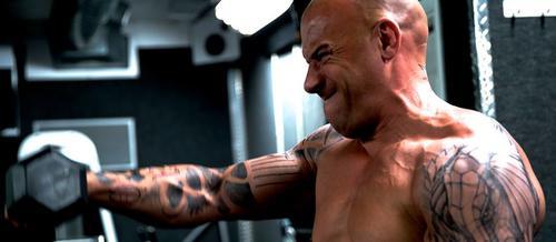 Vin Diesel presume de sus rutinas en el gimnasio. (Foto: Facebook)