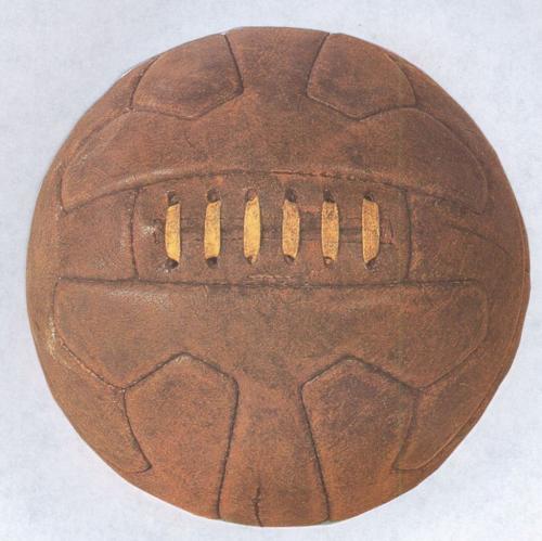 Réplica del balón Federale 102, utilizado en el segundo mundial.