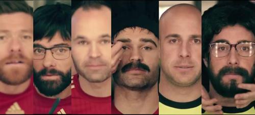 Los jugadores españoles fueron caracterizados para trabajar encubiertos. (Imagen: El Periódico de España)