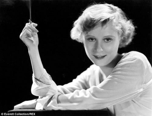 Peg Entwistle se suicidó en 1932 al lanzarse de lo alto de la letra H del letrero Hollywood. (Foto: DailyMail)