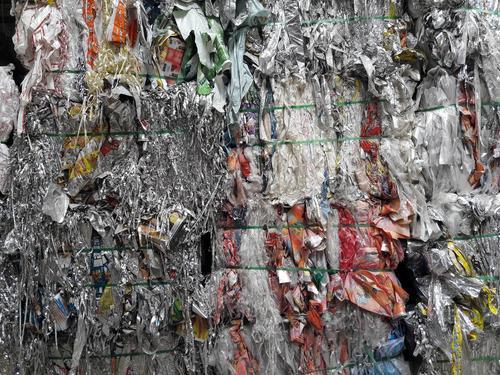 Las bolsas de plástico y envolturas de frituras son materiales plásticos reciclables. (Foto: Javier Lainfiesta/Soy502)