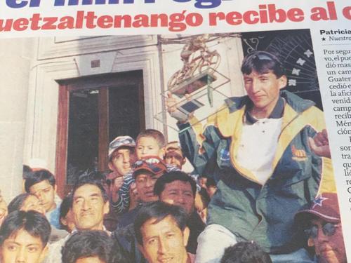 Así recibieron a Fermín Méndez en Quetzaltenango. (Foto: Hemeroteca nacional)