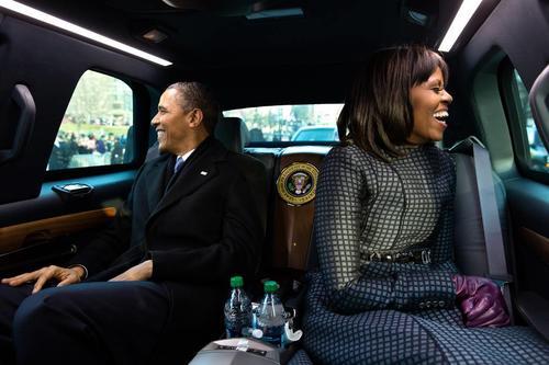 Michelle no será la primera en celebrar sus cincuenta años en la mansión presidencial, puesto que Hillary Clinton también cumplió medio siglo como primera dama con una celebración en la que Van Cliburn, habitual de la Casa Blanca, tocó el piano y ella lució un vestido rojo de Oscar de la Renta.