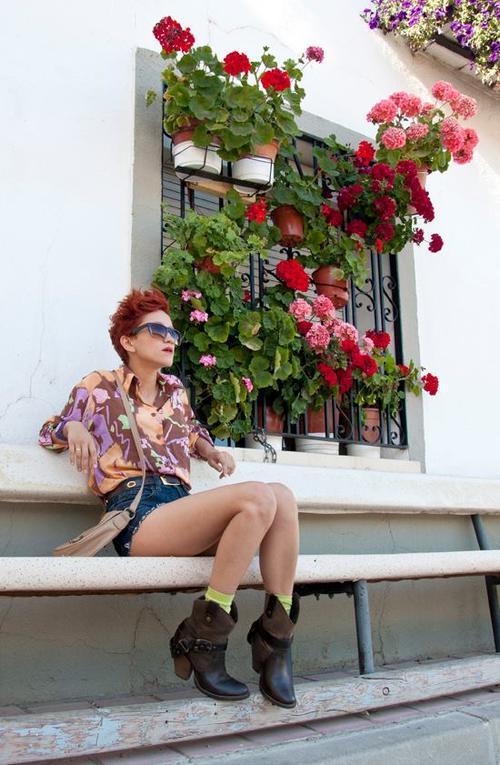 """El """"look"""" de Aminta es ecléctico. (Foto: Aminta Online)"""