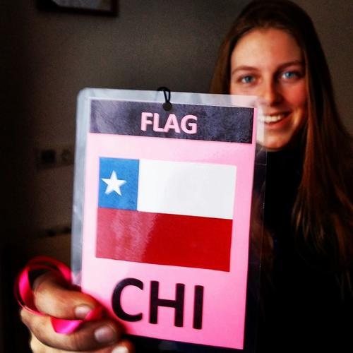 La abanderada de la delegación de Chile Marina Ohaco de 18 años. Foto Marina Ohaco/Facebook