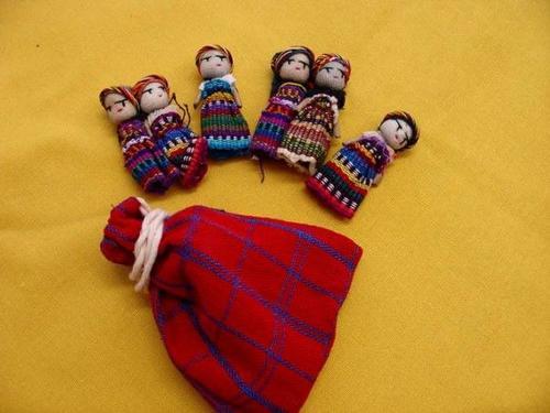 Las bolsas vienen con seis muñecas. (Foto: Mundiario)