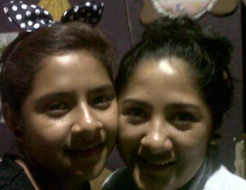 Karla (derecha) falleció en el momento del ataque y Nancy Paola (izquierda) murió tras agonizar en el hospital por varios días. (Foto:Facebook)