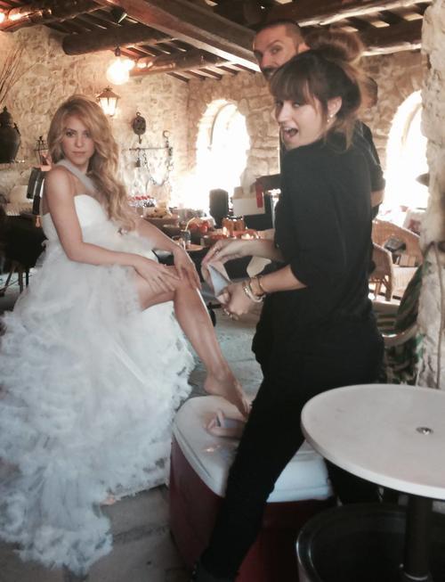 Así se vistió Shakira para la última producción de su videoclip. (Foto: Shakira/Facebook)