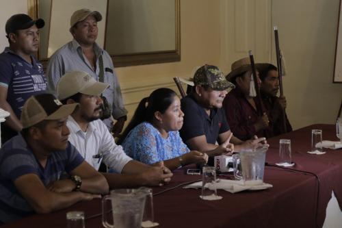 Líderes de las 11 comunidades viajaron a la capital para solicitar que se resuelva la situación. (Foto: Alejandro Balán/Soy502)