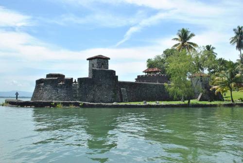 El castillo de San Felipe se ubica en las orillas del lago. (Foto: Nuestro Diario)