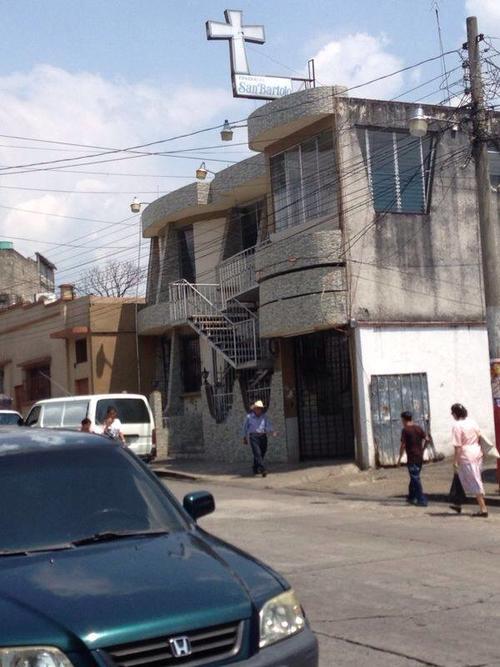 El magistrado Gabriel Gómez de la Corte Suprema de Justicia informó que el magistrado Barrientos Pellecer será velado en esta funeraria, frente al hospital general de Mazatenango y que será inhumado mañana después del medio día en San Francisco Zapotitlán.
