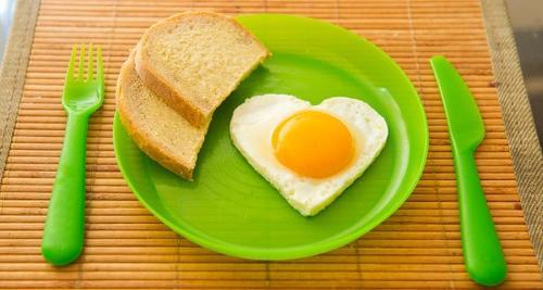El huevo es recomendable para los niños, adultos y personas de la tercera edad. (Foto: Soy502)