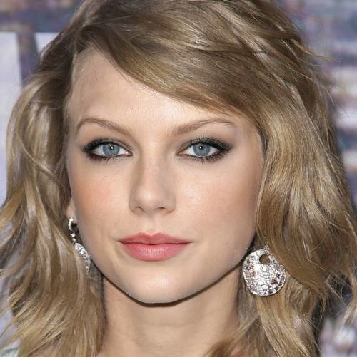 Swift Taylor y Emma Stone. (Foto: humor.atresmedia.com)