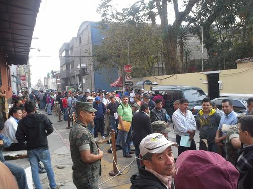Este sábado La Digecam atiende en horario normal para seguir con el registros de armas. (Foto:Evelyn de León/Soy502)