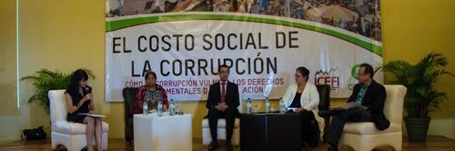 El ICEFI presenta informe sobre el costo de la corrupción en agosto de 2015. (Foto: ICEFI)