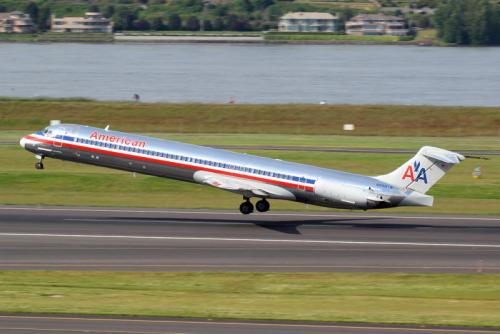 Algunas compañías dejan el fuselaje sin pintar para aminorar el peso. (Foto: Eric Prado/Flikr)