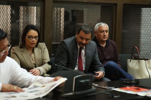 Otto Pérez Molina y Roxana Baldetti han escuchado por 5 días la acusación del MP, al final el abogado defensor de ellos tendrá la oportunidad de rebatir los señalamientos de la fiscalía. (Foto: Jesús Alfonso/Soy502)