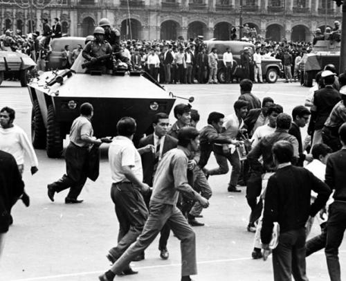 Las protestas estudiantiles en México provocaron en octubre de 1968 la recordada masacre de Tlatelolco. Aquí una fotografía histórica de esa época convulsa de la historia mexicana. (Foto: archivo)