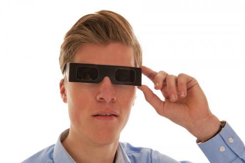 Hay lentes especiales para ver eclipses.  (Foto: Cortesía Edgar Castro Bathen)
