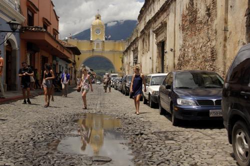La ciudad de Antigua Guatemala es uno de los destinos preferidos por los visitantes centroamericanos. (Foto: Fredy Hernández/Soy502)
