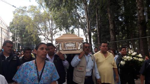 El cuerpo de Don Margarito recorrió el hospital. (Foto: Javier Lainfiesta/Soy502)