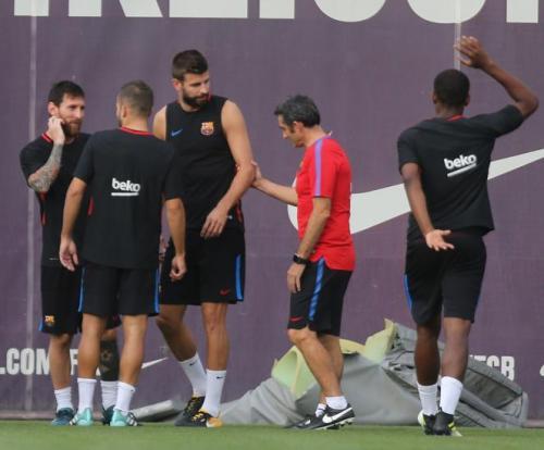 El entrenador culé trata de imponer la disciplina dentro de su dirigidos. (Foto: Mundo Deportivo)