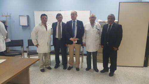 El viceministro de Salud del área administrativa fue el encargado de dar posesión al nuevo director del Hospital General San Juan de Dios. (Foto: Ministerio de Salud).