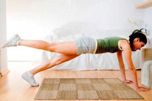 Recuerda acompañar estos ejercicios de una sana alimentación (Foto: mejorconsalud)