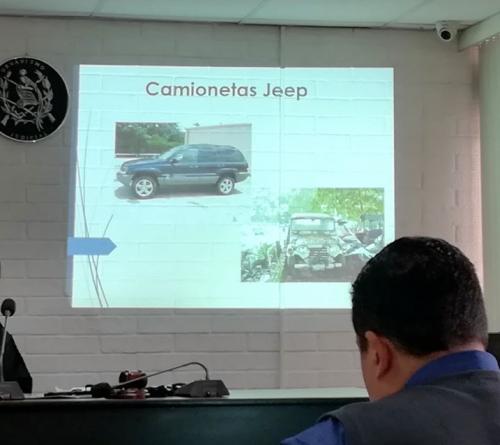 El MP mostró fotografías de los vehículos de Byron Lima.
