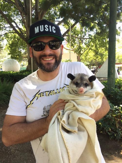 El conocido DJ Francis Dávila también participa en la campaña para proteger a las zarigüeyas. (Foto: Cortesía /AMA)