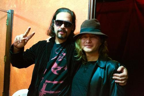 "Andrés Donate junto al músico guatemalteco ""El Güero"". (Foto: Joe Arévalo)"
