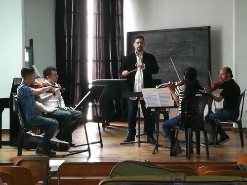 Andrés Donate también es director de orquesta. (Foto: Orquesta Sinfónica de Guatemala)