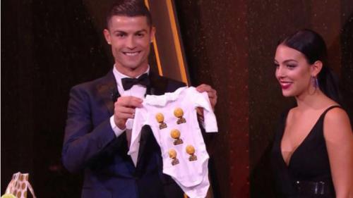 Georgina acompañó a la ceremonia a Cristiano Ronaldo, junto a Cristiano Jr, el hijo mayor del futbolista. (Foto: Marca)
