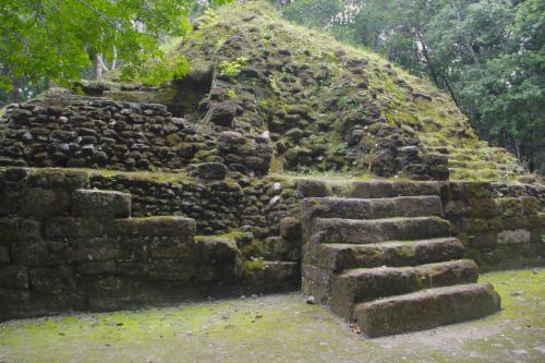 La Muerta es el primer montículo descubierto a pocos kilómetros del campamento de El Mirador. (Foto: Fredy Hernández/Soy502)
