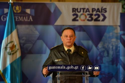 Ministro Ralda confirmó en conferencia que no recibe el bono de responsabilidad. (Foto: Jesús Alfonso/Soy502)
