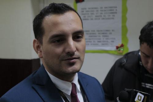 El fiscal Carlos Vides declaró que entregó la acusación formal en contra de 24 implicados y para otros nueve se solicitó el procedimiento abreviado. (Foto: Alejandro Balán)