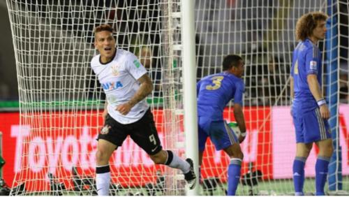 Paolo Guerrero convirtió el gol de la victoria ante el Chelsea. (Foto: Infobae)