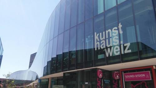 El Kunsthaus de la ciudad de Weiz, Austria recibió a Fidel Funes y su Marimba Orquesta. (Foto: Maestro Marvin López)