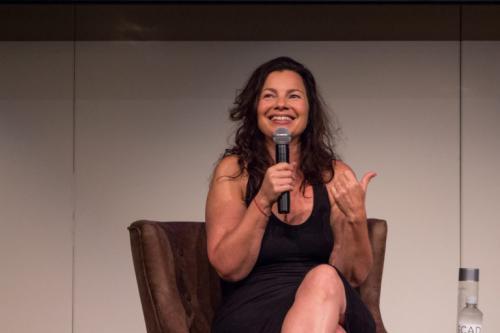La actriz Fran Drescher hace apariciones públicas de vez en cuando. (Foto: porquenosemeocurrio.net)